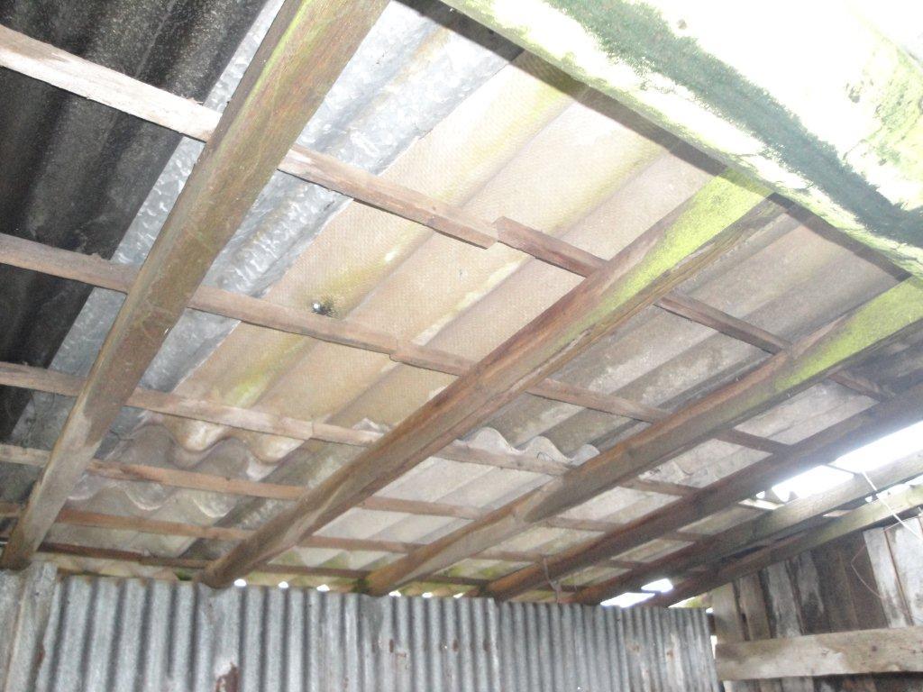 Amiante sous toiture